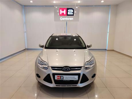 ford focus 1.6 style 125 5k powershift